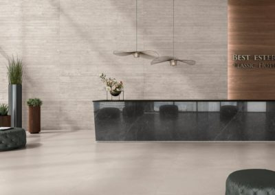 345_z_CDE-cementproject-color10-land-lappata-14mm-color10-work-55mm-forest-noce-naturale-55mm-exedra-raingrey-glossy-55mm-lobby-001