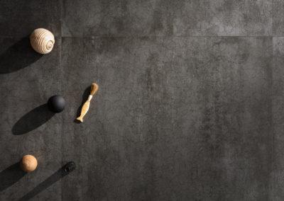 LEA-concreto-dark-dry-6mm-still-life-001